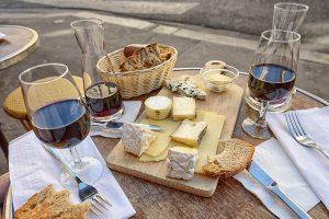 Essen Trinken Frankreich Käse Wein Brot