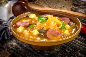 Jota traditionelles slowenisches Essen
