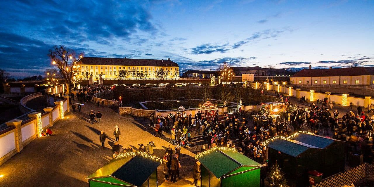 Weihnachtsmarkt auf Schloss Hof